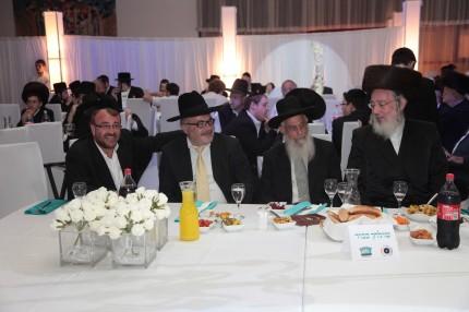הרב ישראל אייכלר, הרב יעקב אריאל, הרב יוסף שוינגר ובנימין רבינוביץ