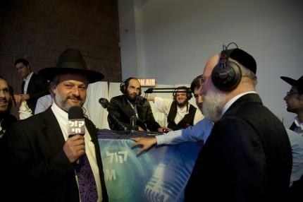 הרב עזריאל טאובר, בעלי משכן האירועים הדודאים בראיון לקול חי