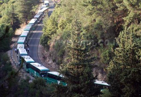אוטובוסים במעלה ההר