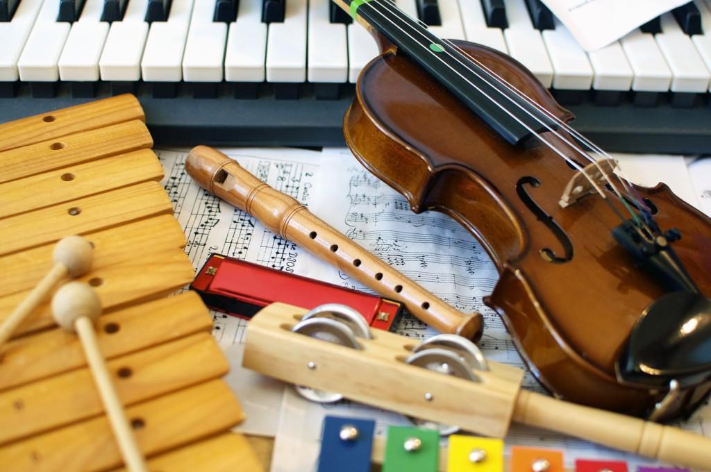 כלי נגינה כלי זמר מוזיקה שירה שמחה מקהלה תזמורת