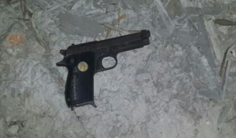 סאדאם חוסיין אקדח