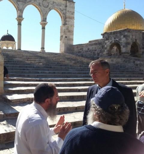 חברי קונגרס בביקור יהודי בהר הבית (1)