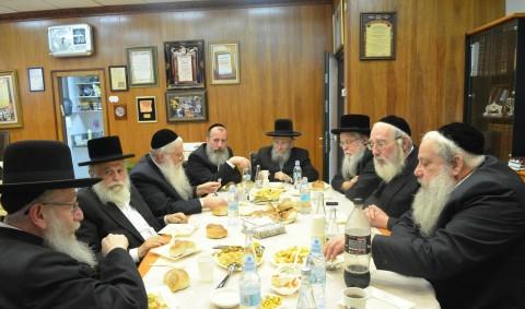 וועדת השמונה של אגודת ישראל נפגשו אצל זייברט