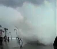 צונאמי בחוף תל ברוך