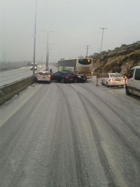 שלג כביש 443