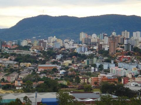 אוניברסיטת סנטה מריה ברזיל ויקיפדיה