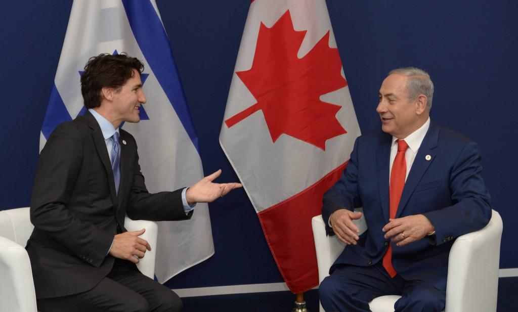 """פגישת ראש הממשלה בנימין נתניהו עם ראש ממשלת קנדה ג'סטין טרודו בפריז. צילום: עמוס בן גרשום לע""""מ"""