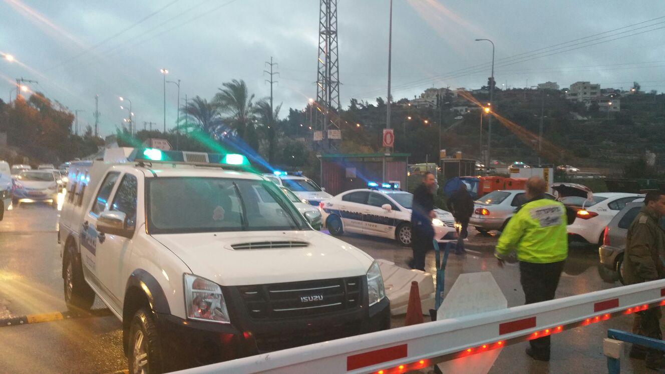 בית חורון: פיגוע דקירה ב'בית חורון': שני מחבלים דקרו ופצעו שתי נשים