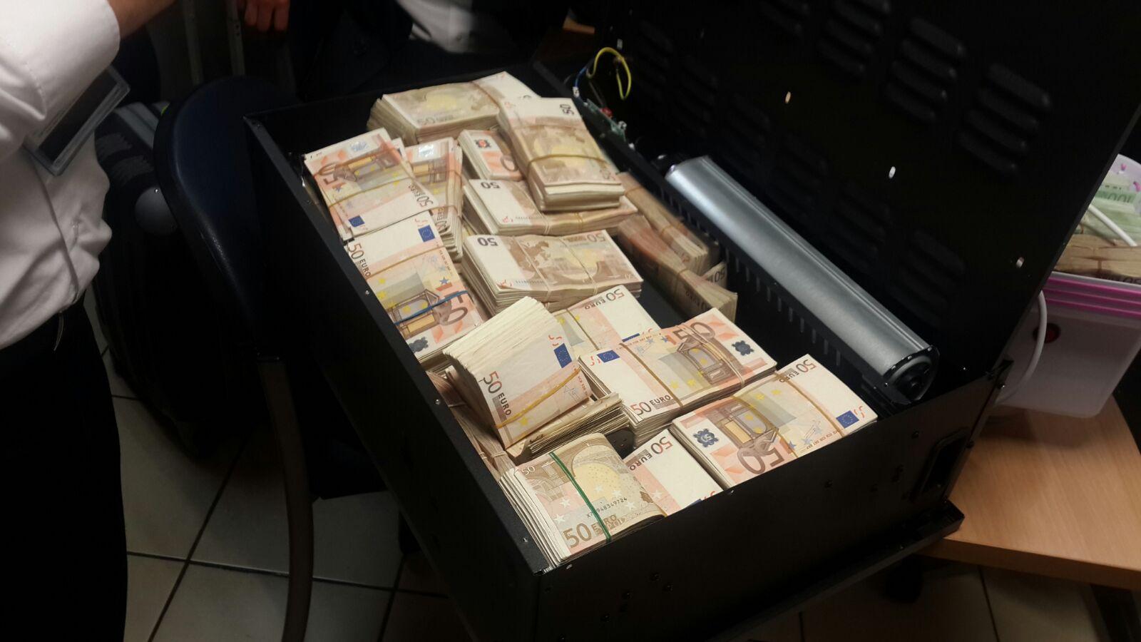 יורו אירו כסף