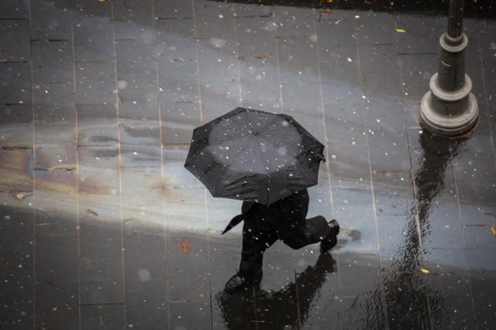 .גשם, מטריה, ירושלים, סופה, מזג אוויר