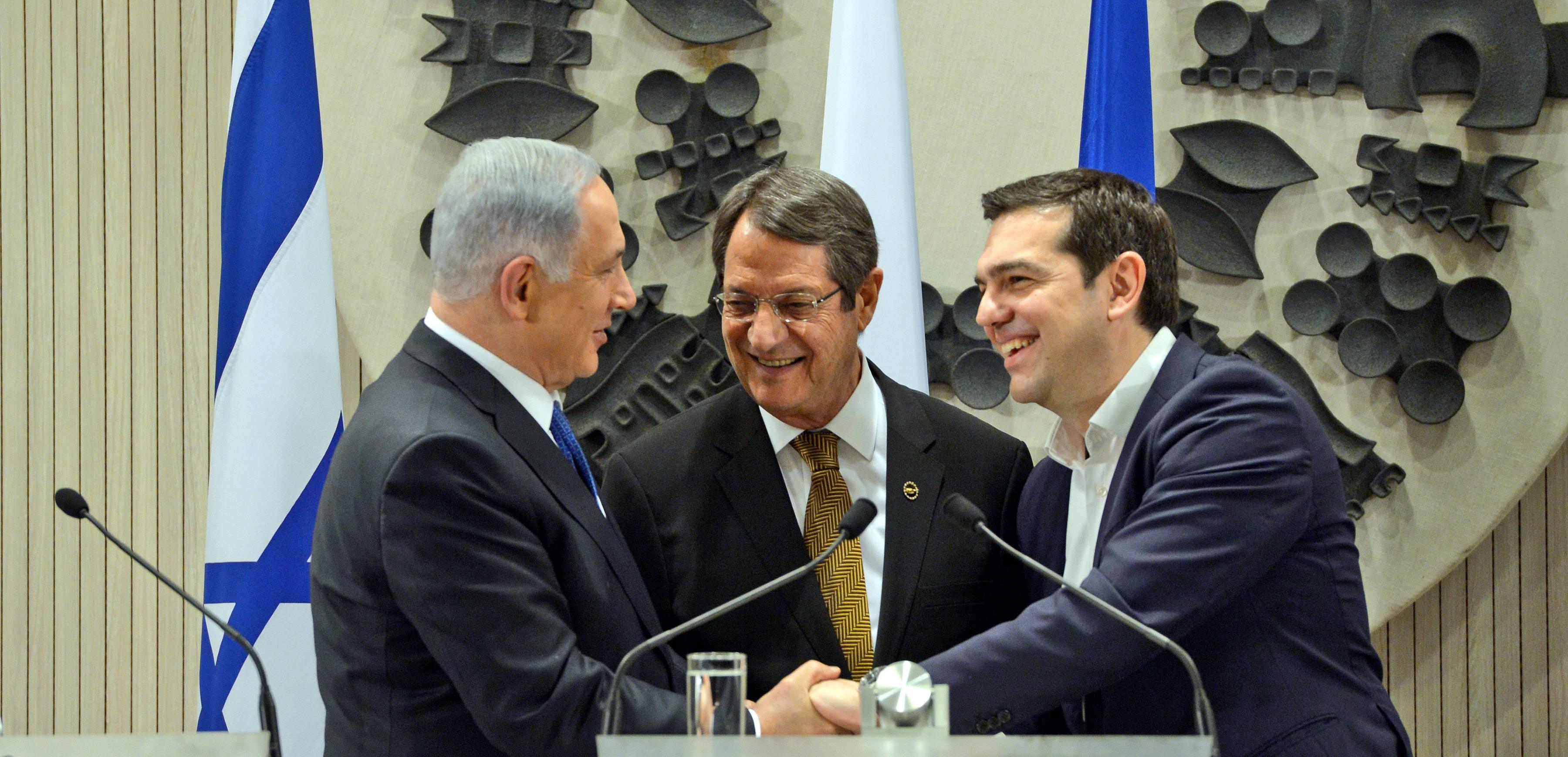 פגישה משולשת בין ראש הממשלה בנימין נתניהו עם נשיא קפריסין ניקוס אנסטסיאדיס וראש הממשלה של יוון אלכסיס ציפראס בניקוסיה קפריסין