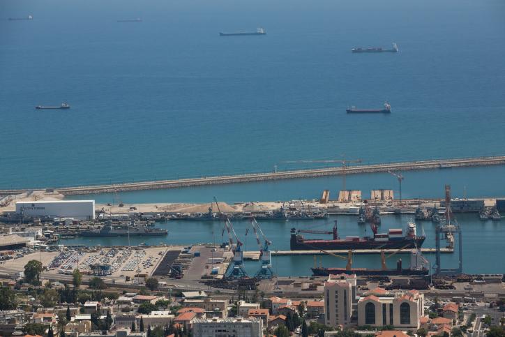 נמל חיפה • אילוסטרציה
