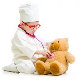 ילד רופא בריא חולה דובי
