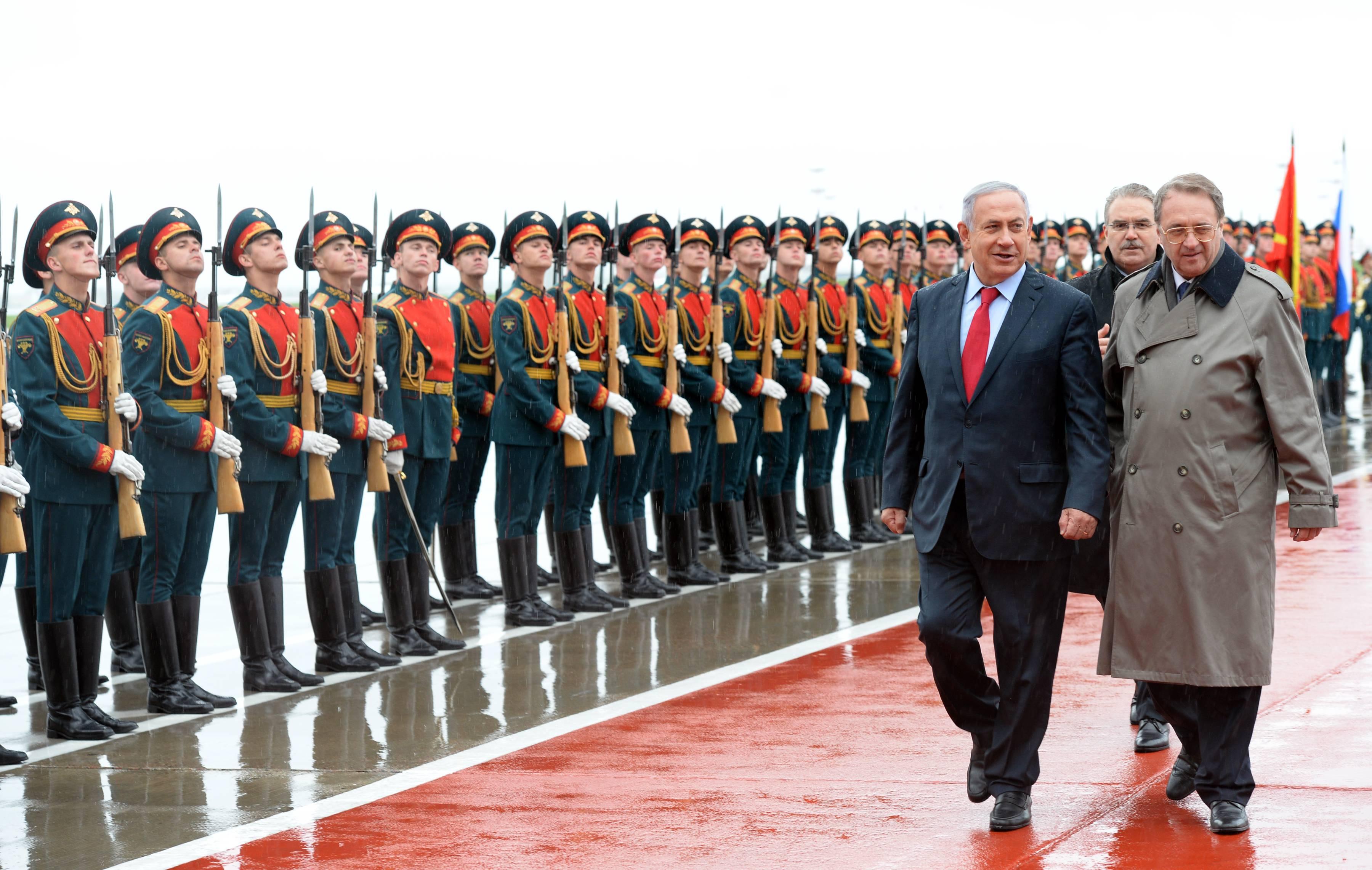 ראש הממשלה בנימין נתניהו ורעייתו שרה נתניהו נוחתים במוסקבה רוסיה