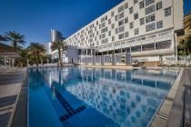 מלון ישרוטל גנים בים המלח