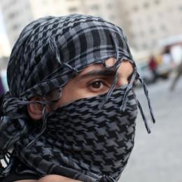רעול פנים, פלסטיני, התפרעויות