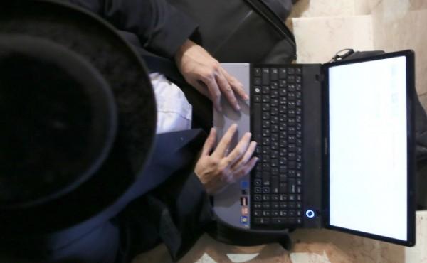 חרדי, חסיד, מחשב, אינטרנט