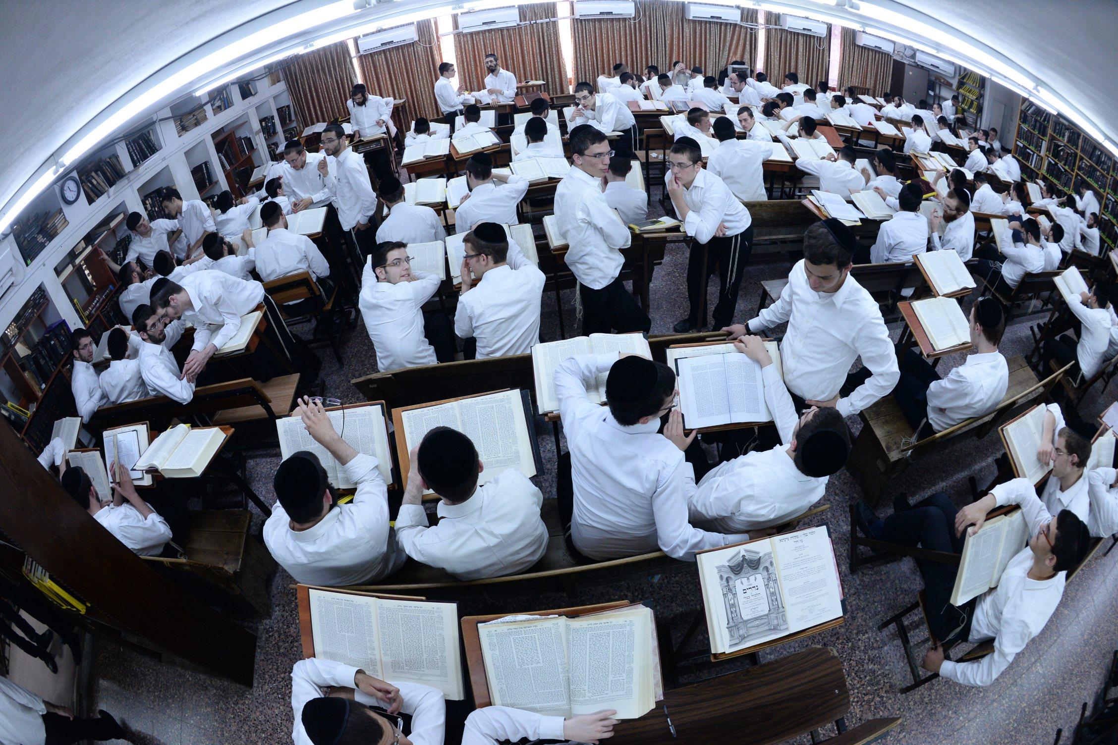 פונוביז' ישיבה בחורים לימוד תורה (22)
