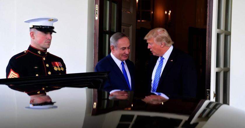 """ראש הממשלה, בנימין נתניהו ונשיא ארה""""ב, דונאלד טראמפ בפגישתם בבית הלבן"""