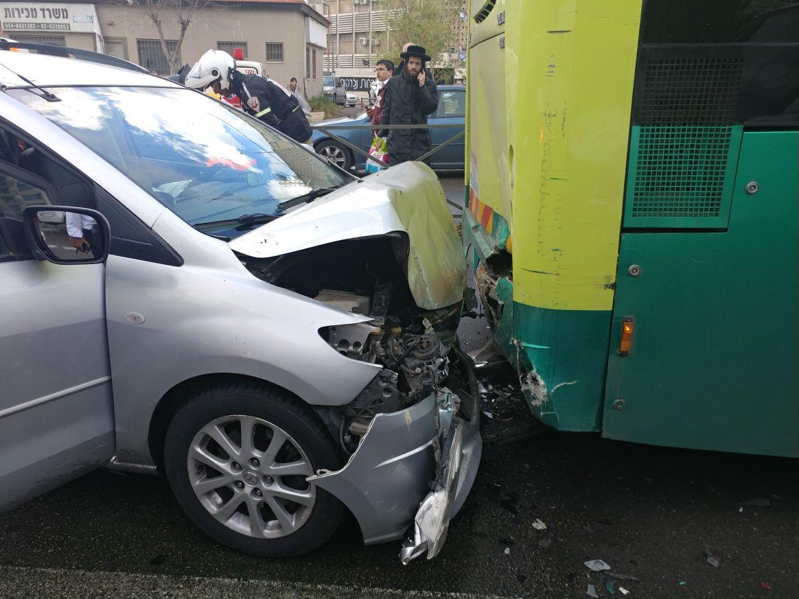 תאונה אוטובוס רכב