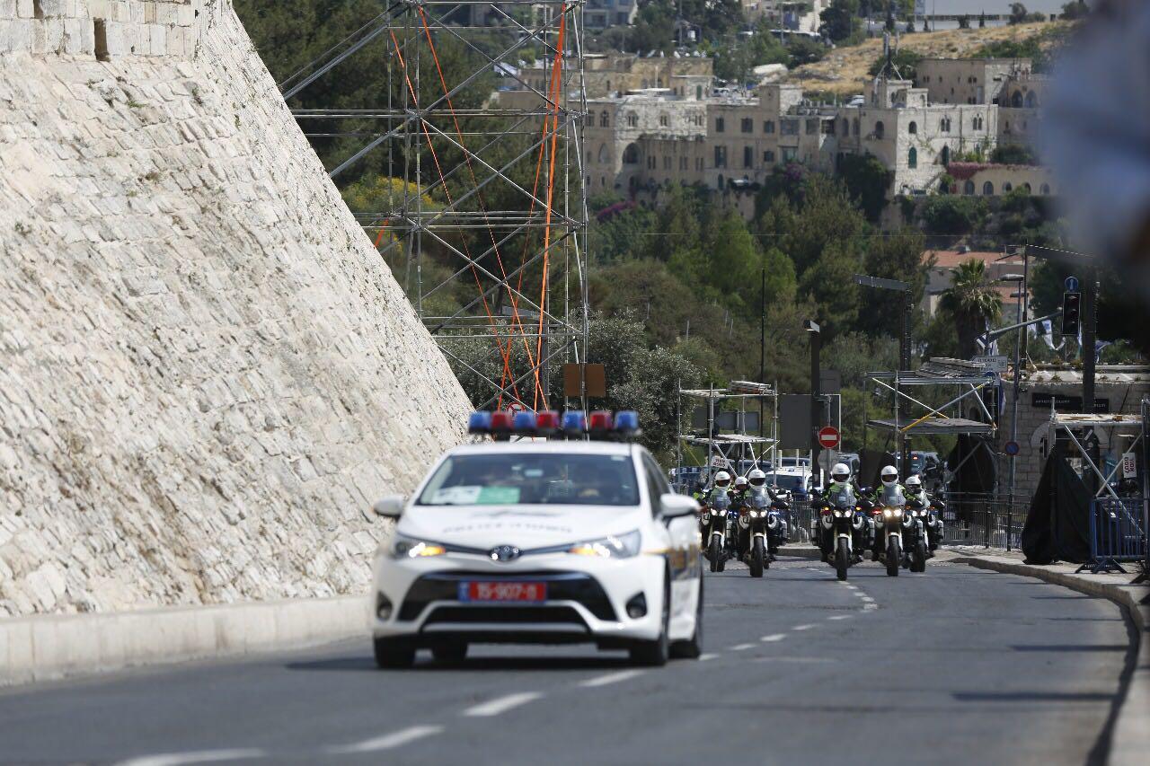 שיירת המשטרה אתמול בסמוך לכותל