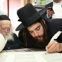 """מרן הגר""""ח קנייבסקי וראש העיר, ישראל פרוש"""