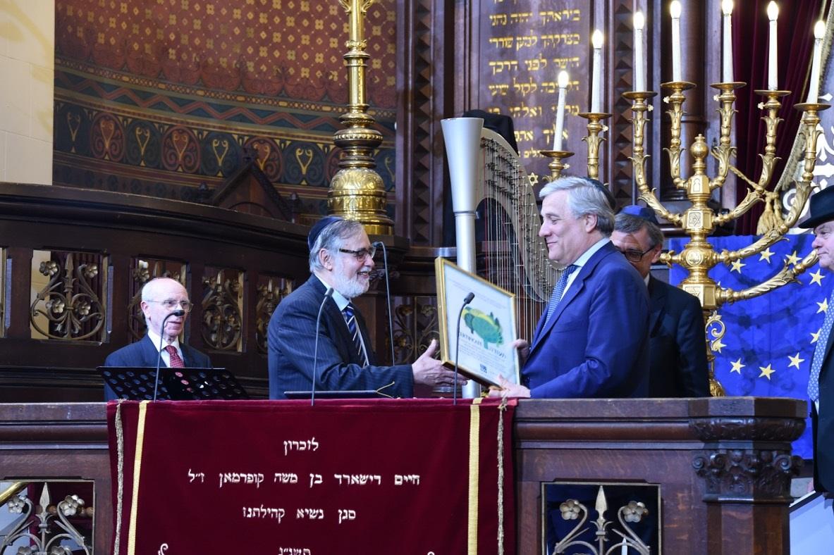 נשיא טייאני עם הרב גיגי בבית הכנסת הגדול בבריסל