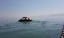 סירה ועליה אנשי חילוץ והצלה
