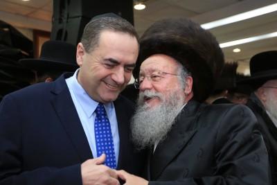 האירנים אוהבים לצחוק על ישראל כץ הפכו אותו לבדיחה %D7%9E%D7%95%D7%96%D7%A1-%D7%9B%D7%A5