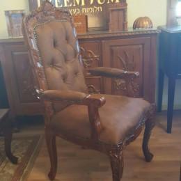 הכסא החדש
