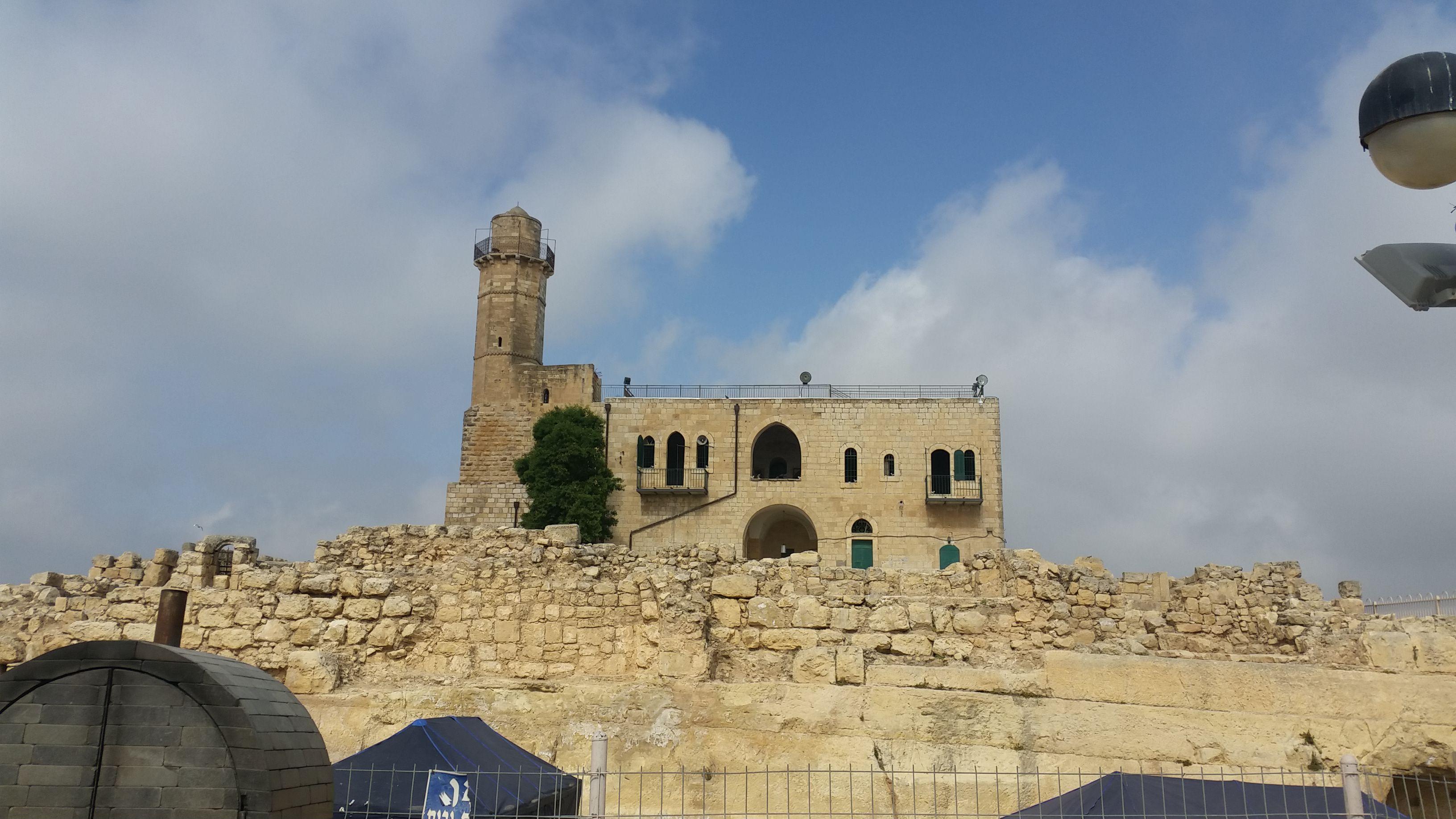 """קבר שמואל הנביא זיע""""א"""