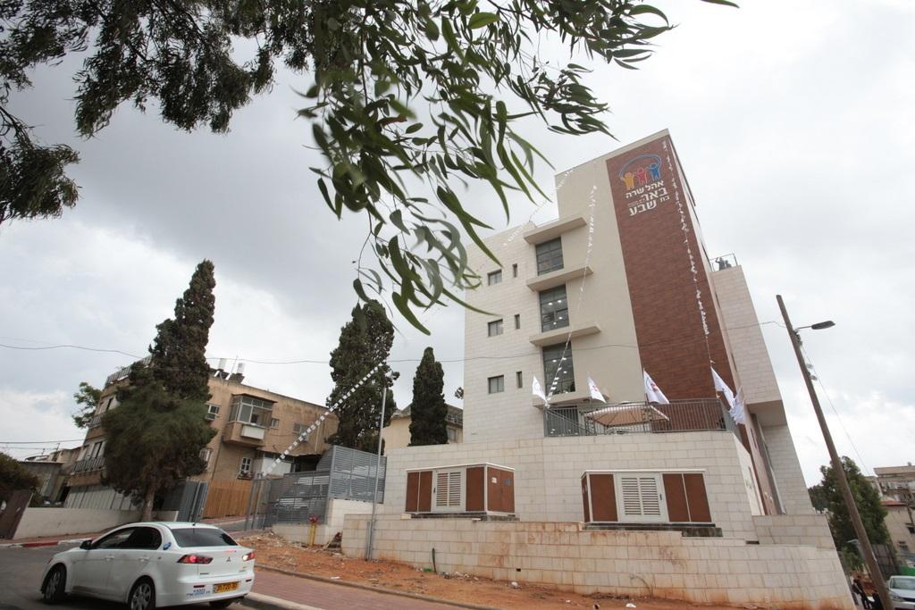 מרכז מעש לב רבקה בבית באר בת שבע עש הרבנית קנייבסקי עה בבני ברק צילום קובי הר צבי (6)
