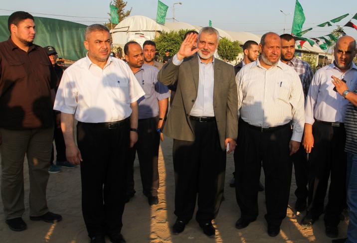 ראש הלשכה המדינית של חמאס, איסמעיל הניה (במרכז)