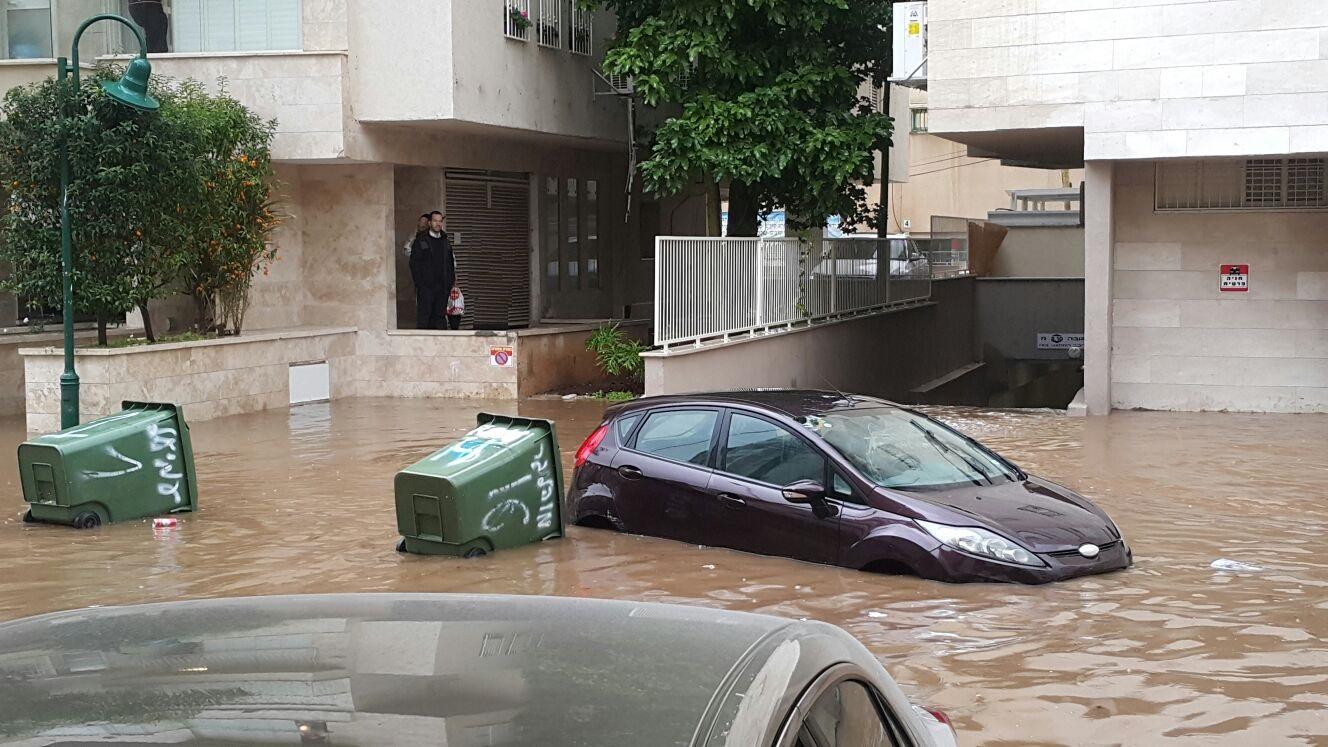 גשם שיטפון בני ברק. צילום ארכיון