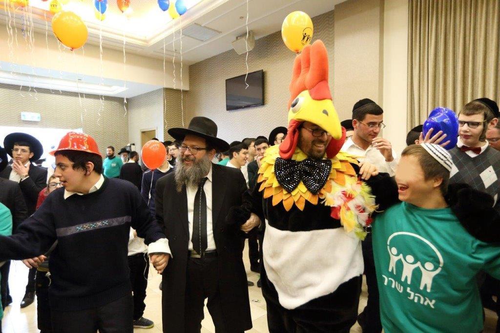 אם אתה משמח את שלי. מסיבת ראש חודש אדר עם הילדים המיוחדים צילום יעקב נחומי (9)