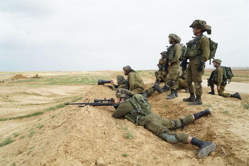 חיילים בגבול