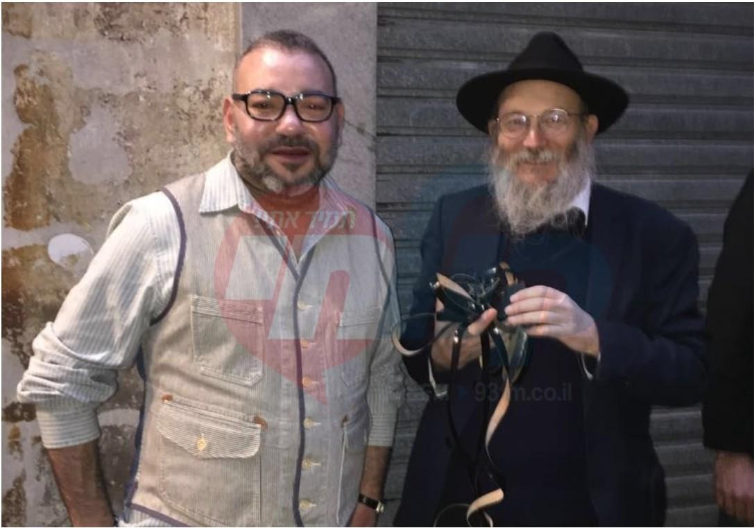 מלך מרוקו והשליח הרב ישראל גולדברג