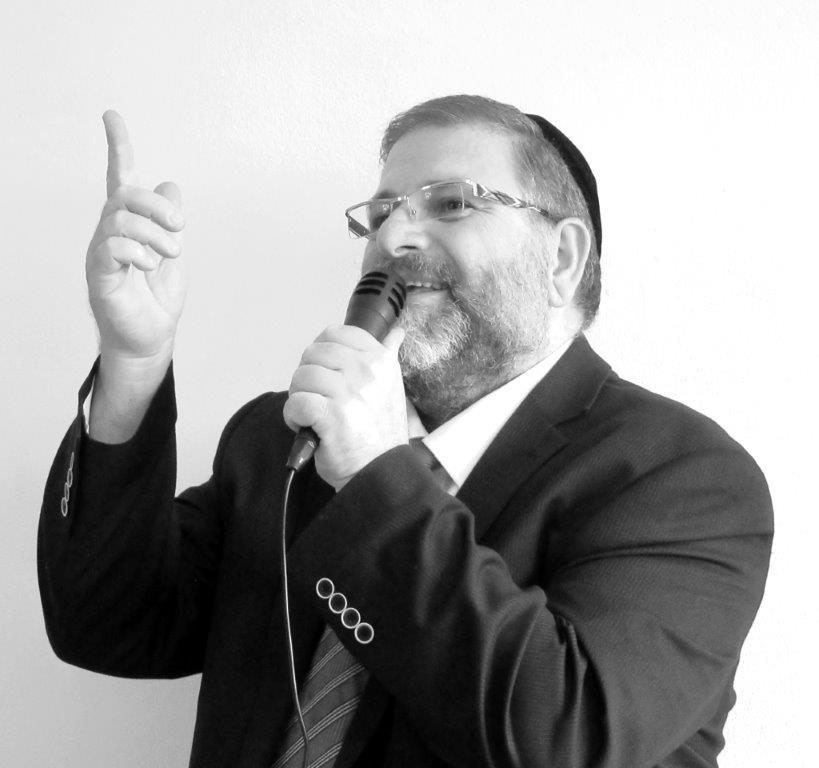 הזמר מרדכי כהן מוקטן