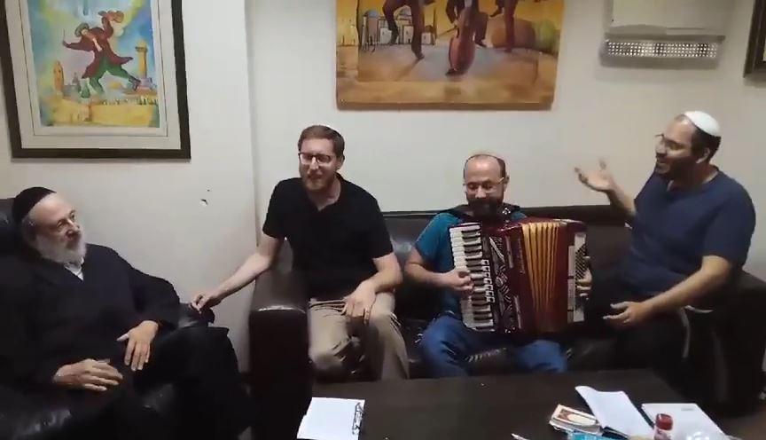יצחק מאיר וחיים בנט.mp4_000189996