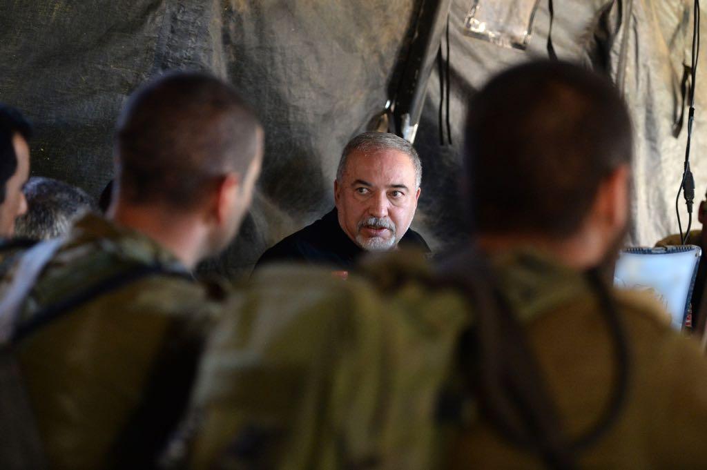 ליברמן בסיור צבאי