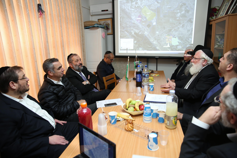 .השר דרעי בפגישה עם ראש המועצה יצחק רייך