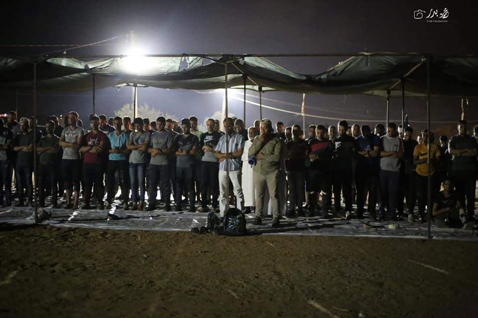 """הצעירים המטרידים את חיילי צה""""ל בכל לילה בגבול הרצועה"""