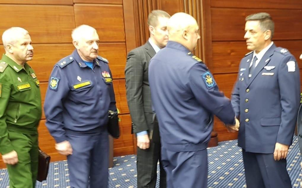 מפקד 'חיל האוויר' עמיקם נורקין בפגישה עם בכירי מערכת הביטחון הרוסית