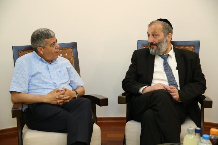 ראש העיר עם שר הפנים אריה דרעי