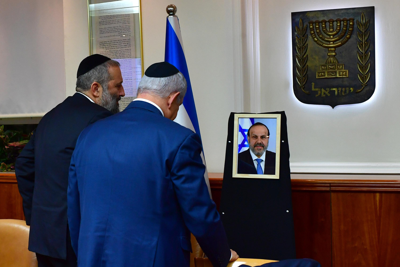 ראש הממשלה ושר הפנים בישיבה המיוחדת