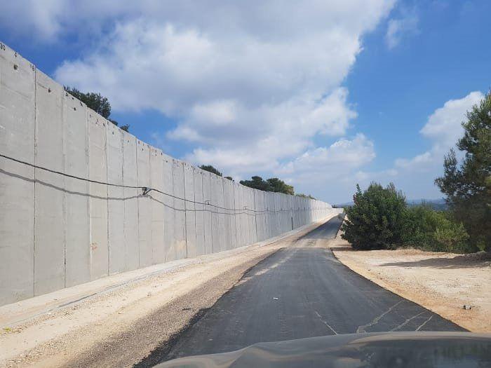 בטון ופלדה לאורך גבול לבנון