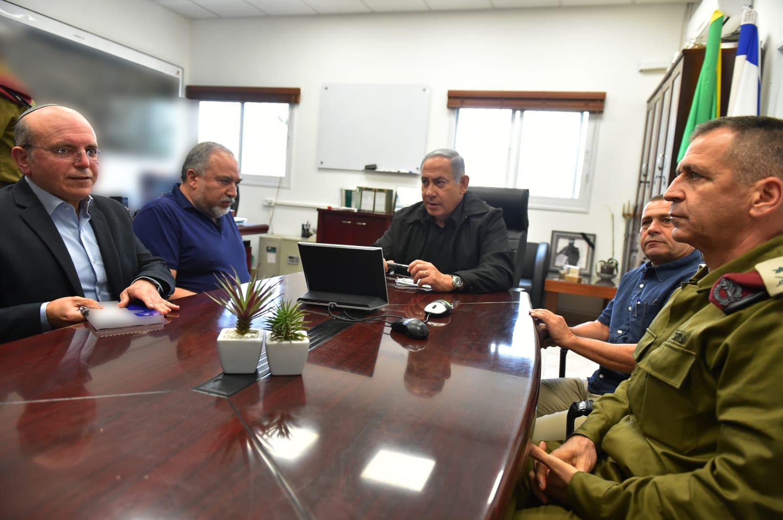 ראש הממשלה בישיבה עם ראשי מערכת הביטחון