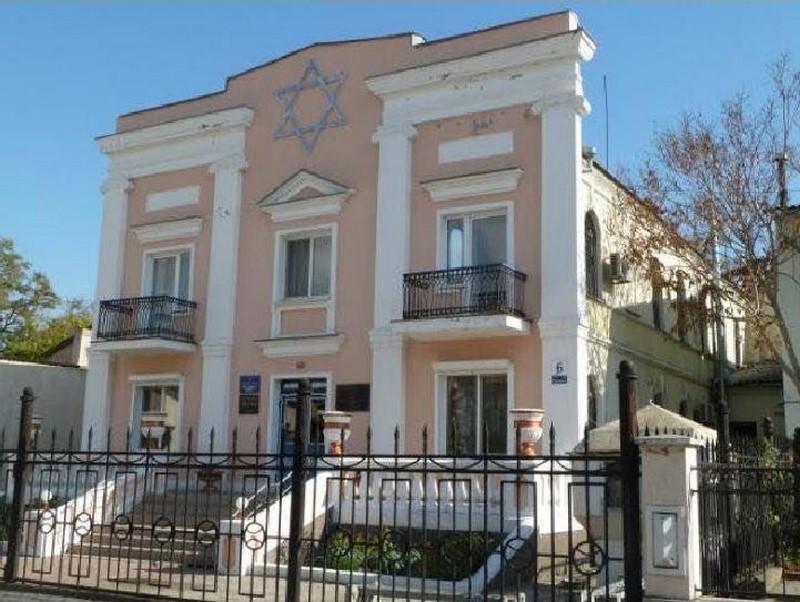 בית הכנסת בעיר