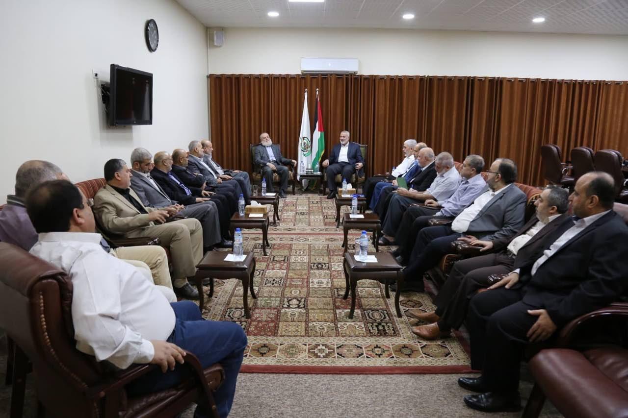 הפגישה היום בלשכת ראש חמאס איסמעיל הנייה עם המתווך המצרי והפלגים ברצועה
