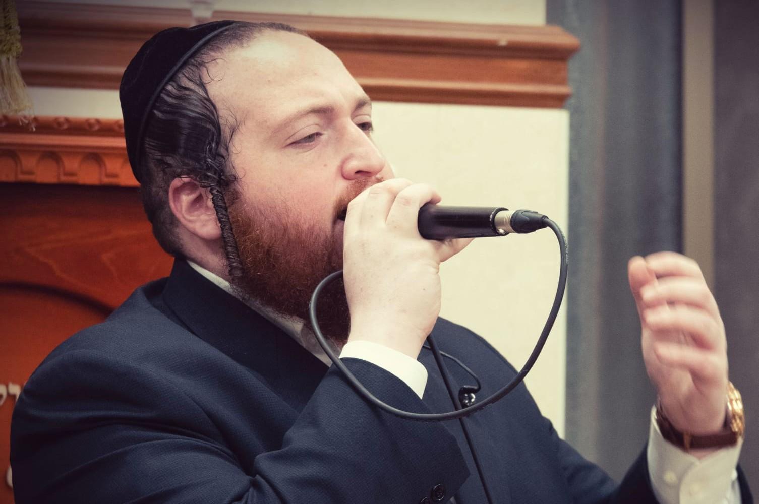 הזמר חיים עקשטיין